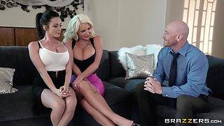 Busty Ariella Ferrera and one more girl enjoy amazing threesome